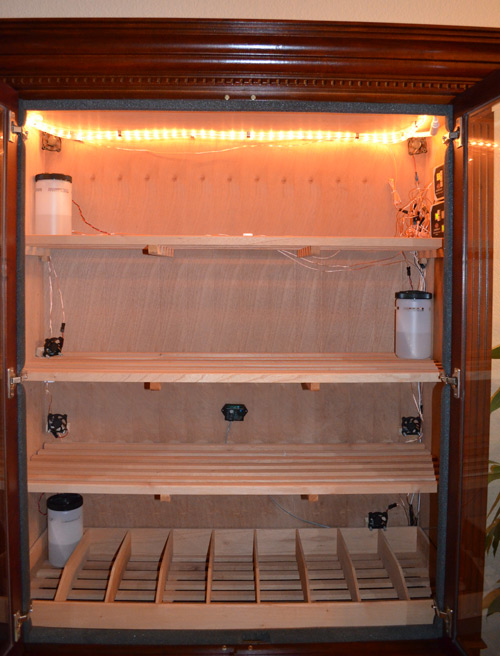 Avallo Accumonitor installed The fourth canister is in the very bottom right-side of the humidor (not in view)