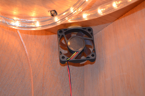 Come's with four humidity fans to help circulate humidity evenly. Instead of using the wood screws and mounting hardware included with unit, I found it easier to use velcro.
